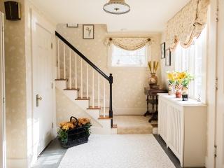 1920s Historical Hallway 01