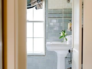 1920s Historical Bathroom33
