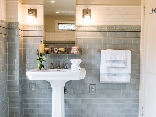 1920s Historical Bathroom22