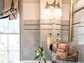 1920s Historical Bathroom23