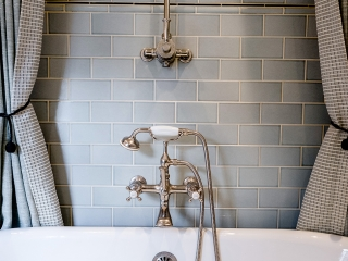 1920s Historical Bathroom32