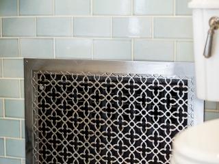 1920s Historical Bathroom25