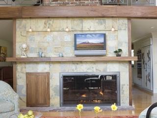 Living Room utilizing Transitional Interior Design